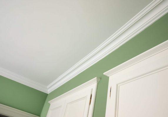 grüne Zimmerwand